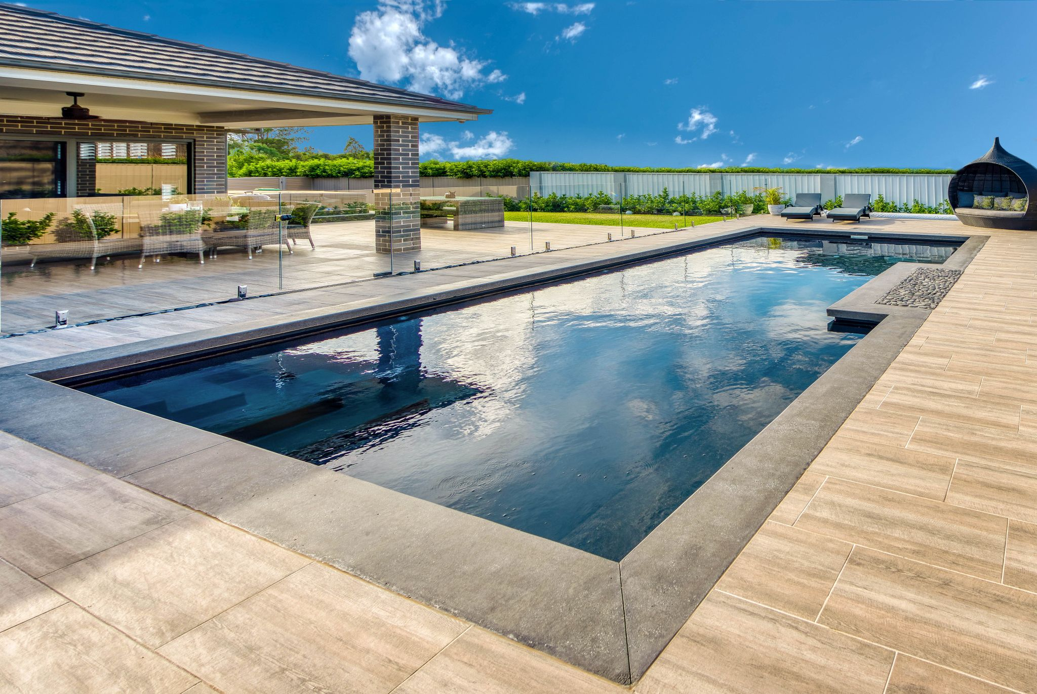 Serenity pool design in platinum quartz colour